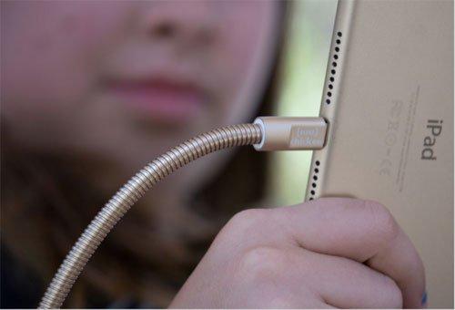 شركة آبل تطوّر كابلات صلبة لتجنب التلف.. و تسعى للحصول على براءة اختراع