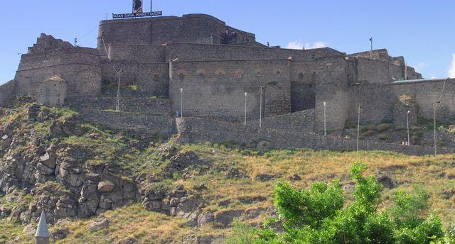 قلعة قارص