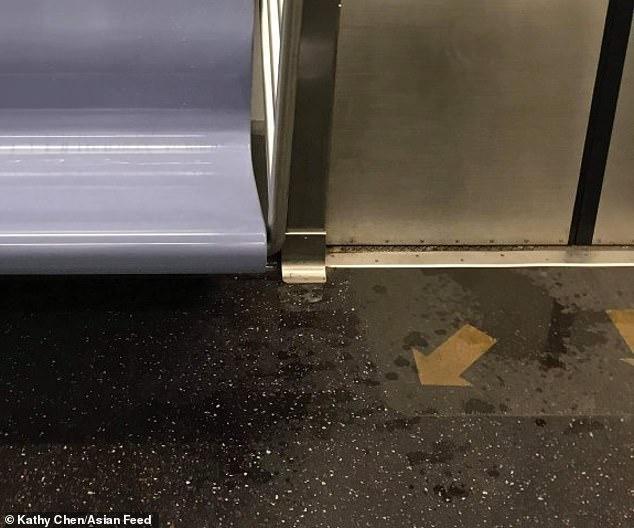 داخل مترو أنفاق بمدينة نيويورك
