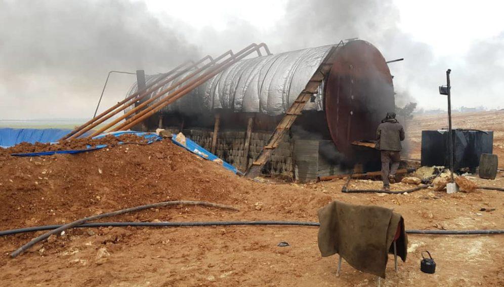 إحدى حراقات النفط شمال سوريا