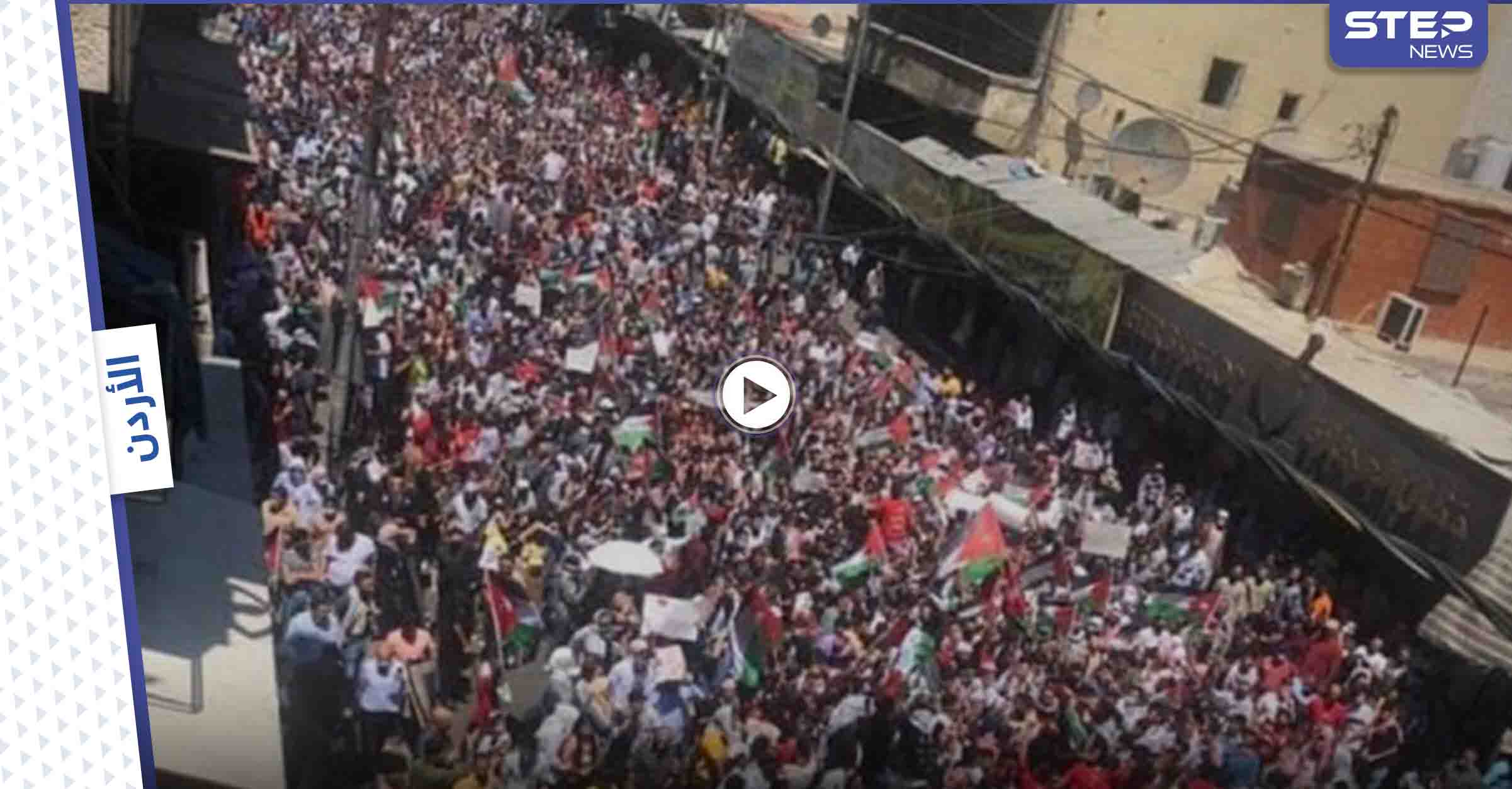 """بالفيديو والصور   """"يلا على الحدود"""" هاشتاغ يضم مشاهد تاريخية في عبور حدود فلسطين المحتلة انتظرها العرب لسنوات"""