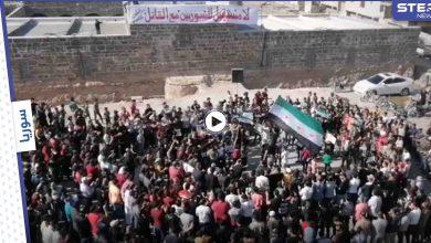 رفضاً لـ الانتخابات الرئاسية في سوريا.. مظاهرات في ساحة المسجد العمري بدرعا واضراب عام بالمحافظة