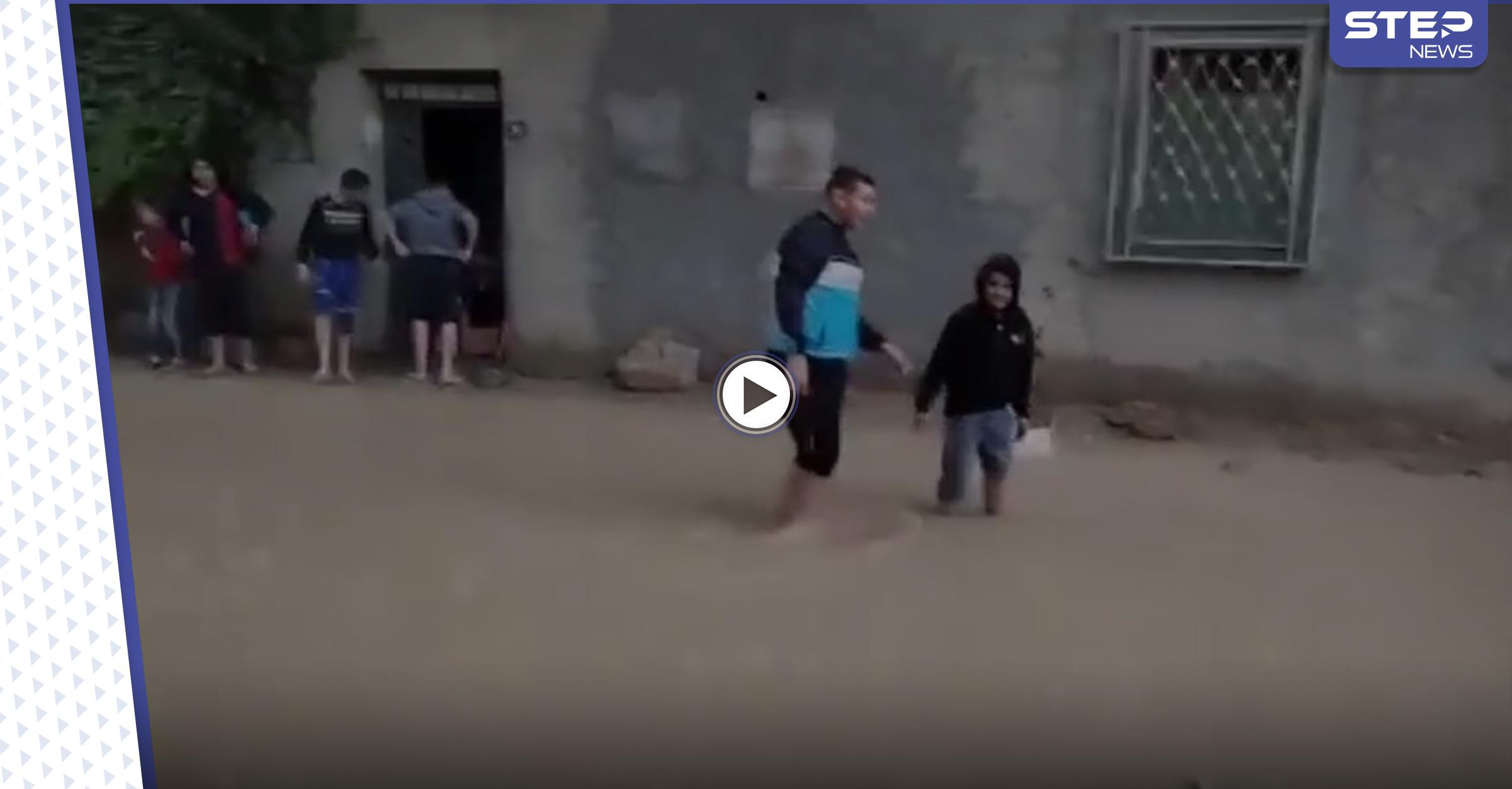 بالفيديو || بعد أمطار غزيرة.. ضحايا بفيضانات في اليمن والجزائر