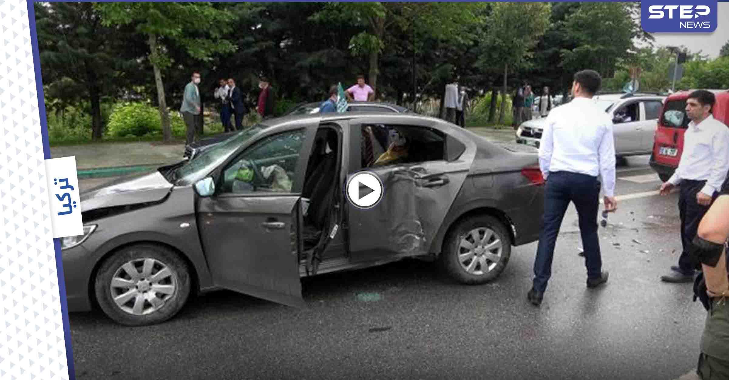 بالفيديو   موكب أحمد داود أوغلو يتعرض لحادث سير وإصابة شخصية هامة فيه