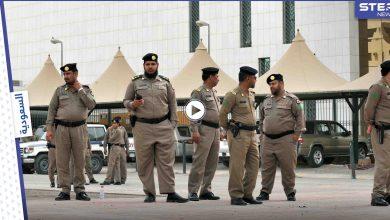 بالفيديو|| أثار الغضب بأفعال لا أخلاقية وبصق على فقير وسخر منه.. السلطات تقبض على المتنمر السعودي