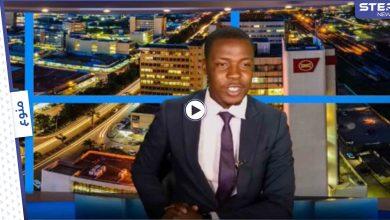 بالفيديو|| مذيع يفضح إدارته ويقطع نشرة الأخبار ليطالب بدفع الرواتب له ولزملائه وردة فعل القناة