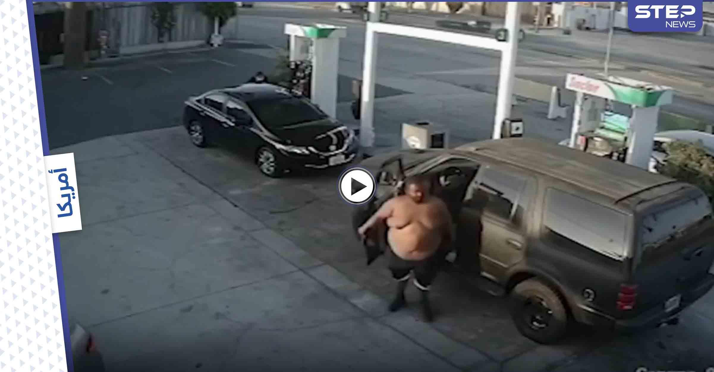 بالفيديو   رجل إفريقي ضخم يضرب امرأة ويسحلها من شعرها في لوس أنجلوس دون سابق إنذار
