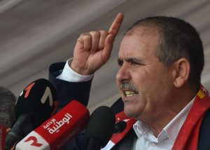 اتحاد الشغل التونسي يدعو إلى حوارٍ وطني لا يشارك فيه الرئيس سعيد