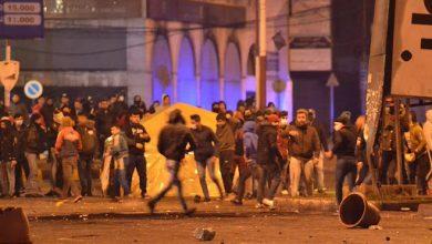 بالفيديو    في احتجاجٍ متصاعد.. متظاهرون في طرابلس يقتحمون المصرف والسرايا