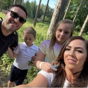 0 Mum goes viral after replacing husband with JACK GREALISH in wedding snaps 1