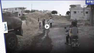 """الخوذ البيضاء تنشر فيديو """"يحبس الأنفاس"""" خلال إنقاذهم للمدنيين بجبل الزاوية"""