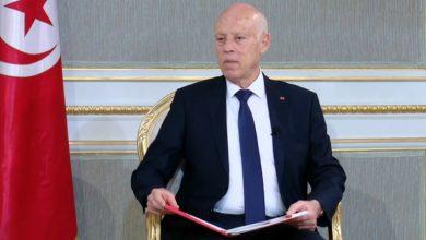 ملك عربي يبعث برسالة إلى قيس سيعد سلّمها وزير خارجيته باليد