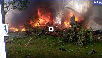 بالفيديو || قتلى وجرحى بتحطم طائرة عسكرية في الفلبين على متنها 92 شخصاً