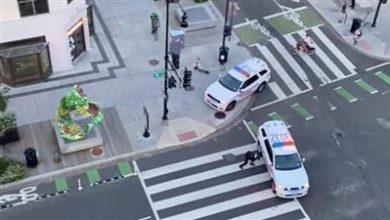 بالفيديو||مسلحون يطلقون النار قرب البيت الأبيض... جرحى وصفارات الشرطة تدوي بالأرجاء
