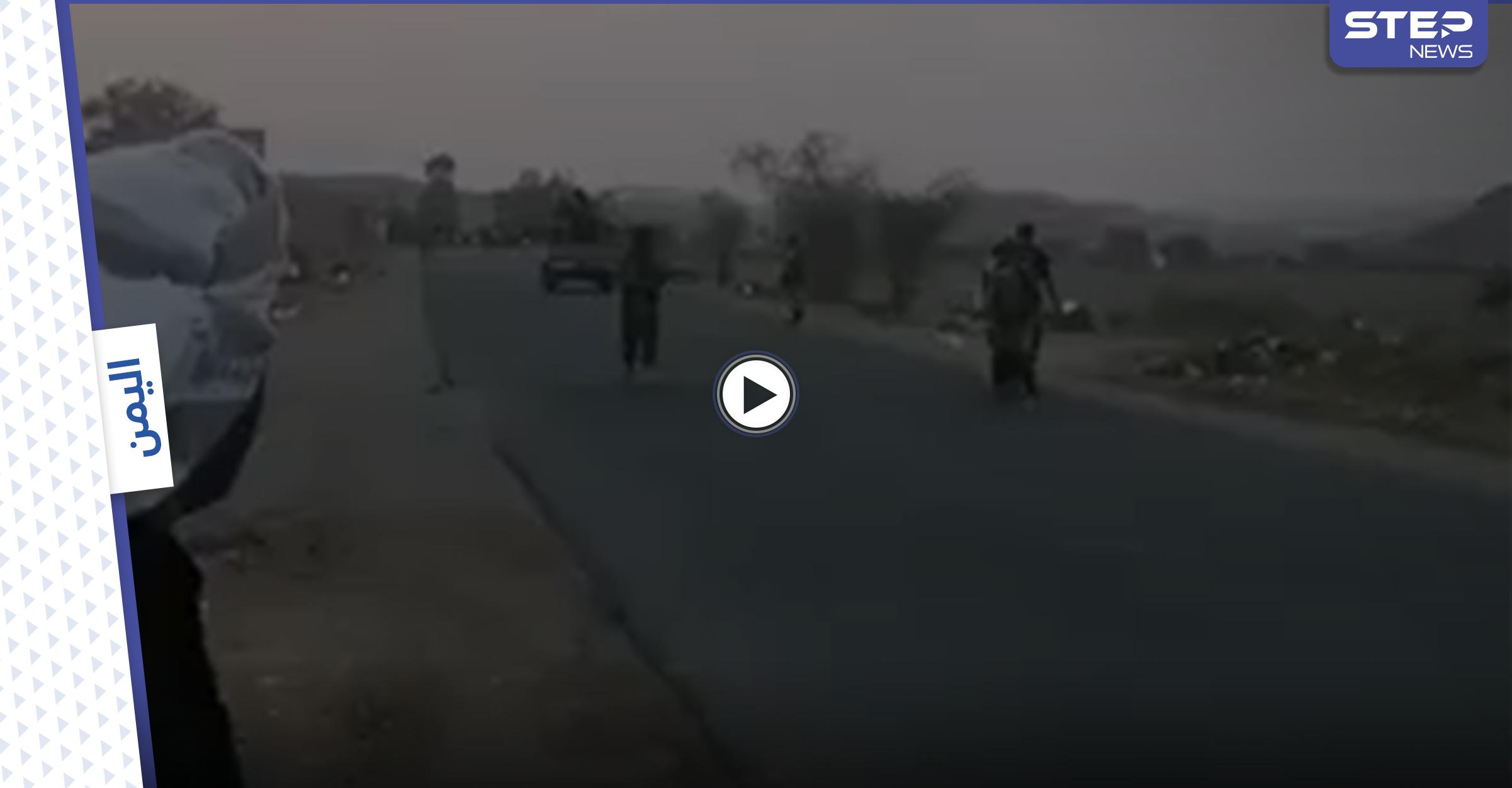 بالفيديو|| بعد معارك ضارية مع ميليشيا الحوثي.. الجيش اليمني ينتزع السيطرة على كامل مديرية الزاهر