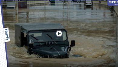 مياه الأمطار في روسيا تشل حركة المرور وتغمر طريقاً فيدرالياً في سوتشي وتلغي سباقاً هاماً (فيديو)