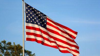 لماذا يوجد 13 خطا في العلم الأمريكي49