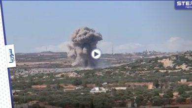 بالفيديو || غارات روسية مكثّفة تستهدف مناطق في إدلب وحلب.. والفصائل ترد