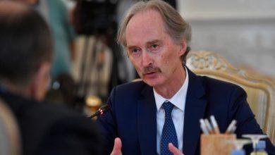 بيدرسون يشير إلى محادثات ناجحة حول قرار دولي مع مسؤولي النظام السوري في دمشق