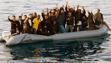 - مهاجرون يصلون إلى إيطاليا
