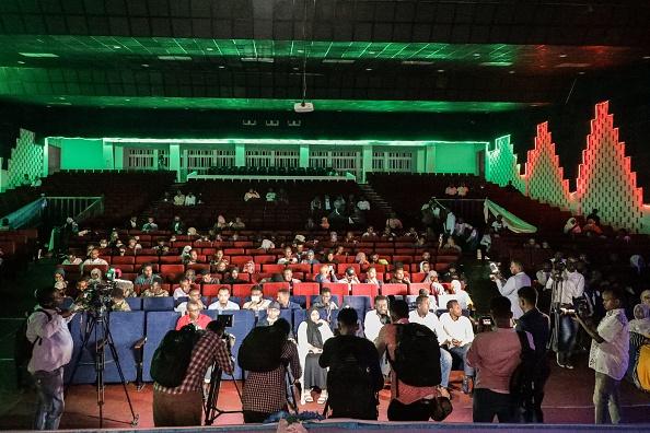 بالصور   حدث تاريخي في مقديشو... العرض السينمائي الأول منذ 30 عاماً وسط إجراءات مشددة