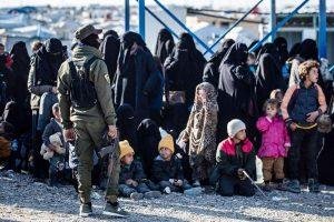 جرائم مروعة.. داعش يرجم امرأة في مخيم الهول حتى الموت ويقتل أخرى أمام صغارها