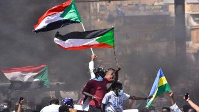 على خلفية الانقلاب.. الاتحاد الإفريقي يتخذ إجراءاً بحق السودان
